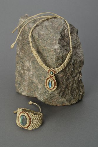 Homemade jewelry set with labradorite - MADEheart.com