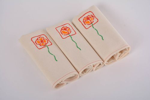Set of 3 handmade designer semi linen cloth napkins with embroidered flowers - MADEheart.com