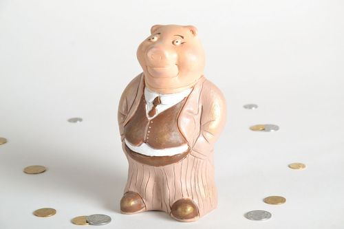 Clay money box in the shape of pig - MADEheart.com