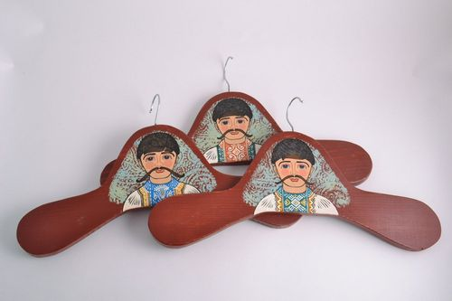 Set of 3 handmade decorative wooden clothes hangers with images of the Cossacks - MADEheart.com