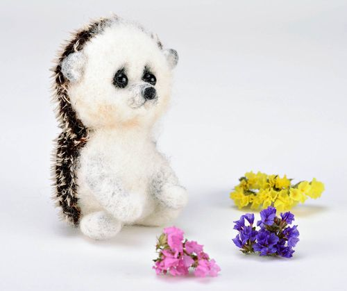 Toy made of felting wool Hedgehog - MADEheart.com