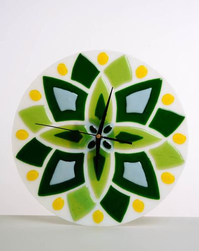 Glass clock Green Star - MADEheart.com
