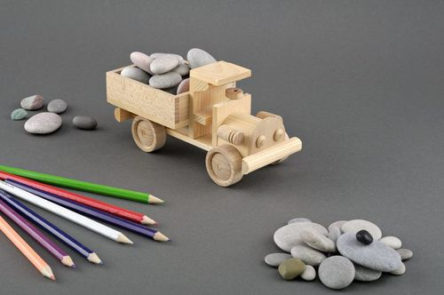 Wooden toy truck  - MADEheart.com