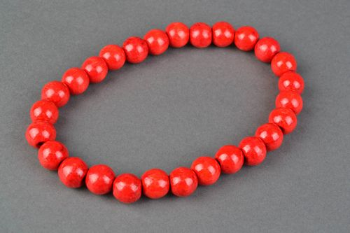 Unusual red large bead necklace - MADEheart.com