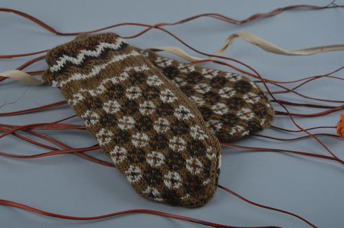 Handmade warm winter womens brown mittens knitted of wool with ornament - MADEheart.com