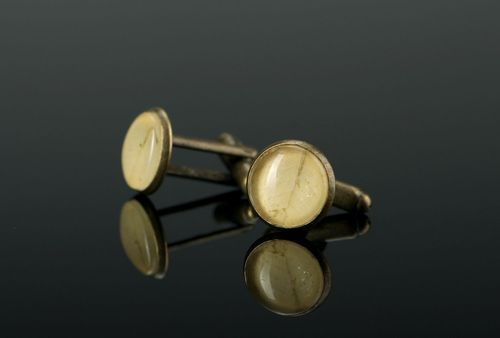 Cufflinks made of clover leaves - MADEheart.com