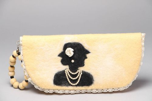 Wool felted womens bag Mademoiselle - MADEheart.com