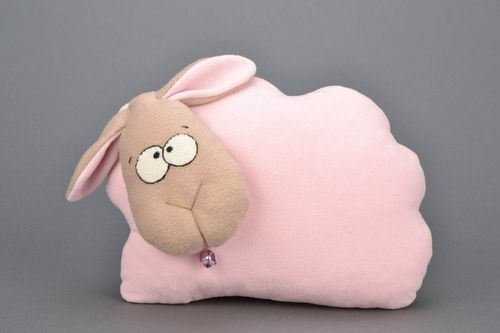 Homemade soft pillow pet - MADEheart.com