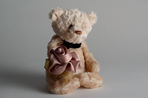 Bear with flower - MADEheart.com