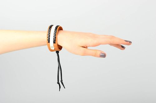 Unusual handmade leather bracelet leather goods fashion trends cool jewelry - MADEheart.com