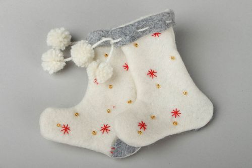 Decorative Christmas boots - MADEheart.com