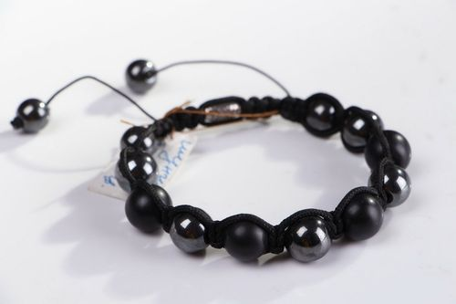 Bracelet made of hematite and shungite beads  - MADEheart.com