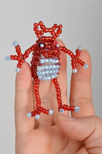 Beaded finger toy frog red funny handmade decorative toy for children - MADEheart.com