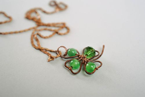 Pendant with Natural Stone Clover - MADEheart.com