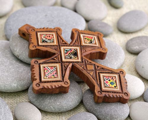 Wooden pectoral cross - MADEheart.com