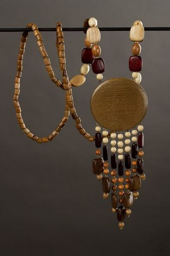 Wooden necklace in ethnic style - MADEheart.com