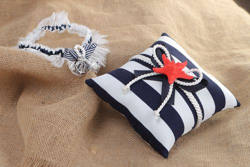 Set of handmade wedding accessories in marine style ring pillow and bridal garter - MADEheart.com