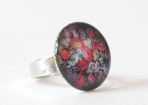 Ring with flowers - MADEheart.com