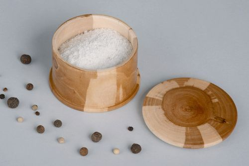 Wooden container for salt and species - MADEheart.com