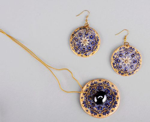 Set of ceramic jewelries: earrings and pendant Mandala of womans wisdom - MADEheart.com