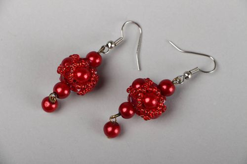 Red beaded earrings  - MADEheart.com
