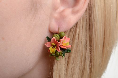 Handmade designer small tender floral pink and green polymer clay earrings - MADEheart.com