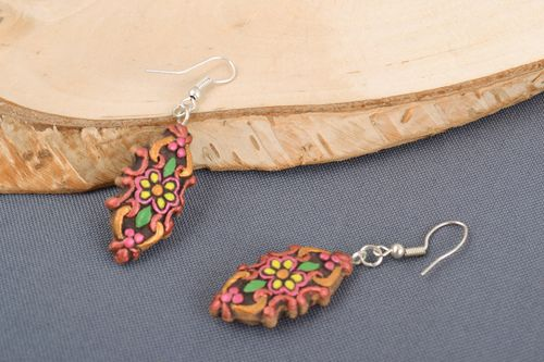 Handmade ceramic dangling earrings of unusual shape painted with acrylics - MADEheart.com