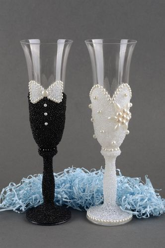 Champagne glasses handmade decorative glasses champagne flutes wedding decor - MADEheart.com