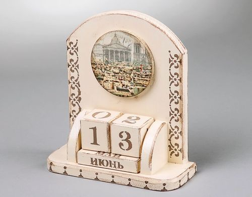 Eternal calendar with cubes Paris, decoupage - MADEheart.com
