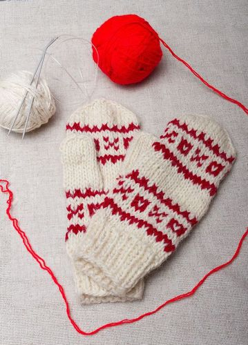 White woolen mittens with red ornament - MADEheart.com