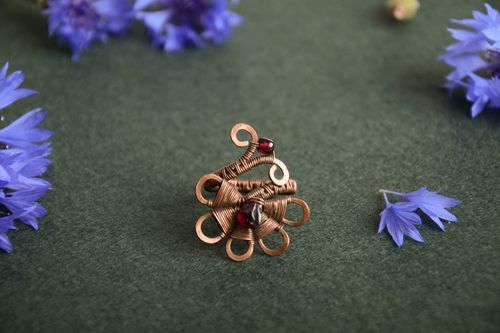 Handmade designer wire wrap copper jewelry ring with natural garnet for women - MADEheart.com