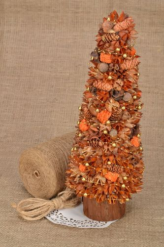 Decorative tree with natural materials - MADEheart.com