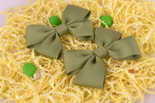 Green handmade beautiful stylish bow ribbons for scrunchy or hair pin set of 2 pieces - MADEheart.com