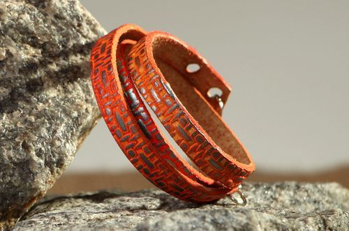 Red leather bracelet - MADEheart.com