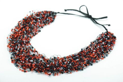 Chinese beaded necklace - MADEheart.com