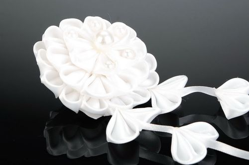 White scrunchy with flower - MADEheart.com