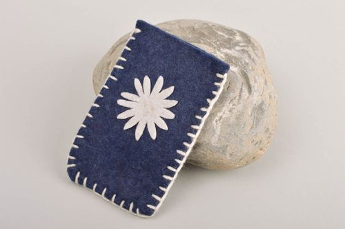 Beautiful handmade felt phone case textile gadget case gift ideas for girls - MADEheart.com