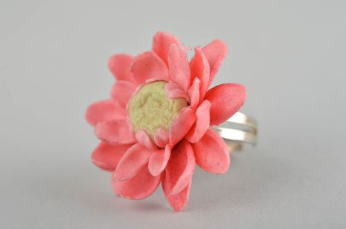 Beautiful handmade ring for girls plastic flower ring fashion accessories - MADEheart.com