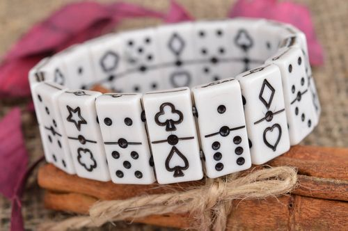 Black and white bracelet made of flat beads in shape of dominoes counters - MADEheart.com