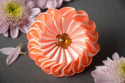 Designer homemade decorative hair band with kanzashi flower of peach color - MADEheart.com