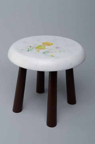 Childrens wooden stool - MADEheart.com