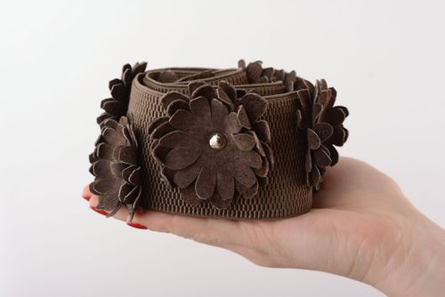 Wide belt with flowers - MADEheart.com