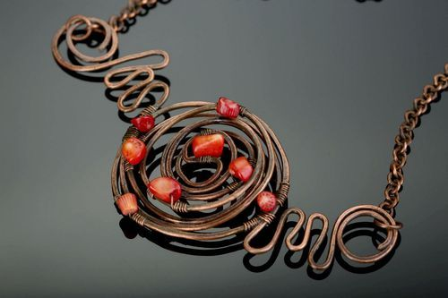 Necklace with corals Ariadnes thread - MADEheart.com