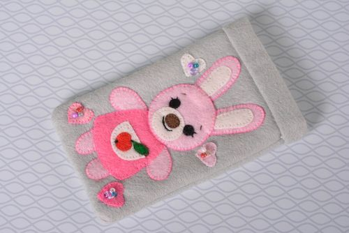 Stylish handmade felt phone case textile cell phone case gadget case design - MADEheart.com