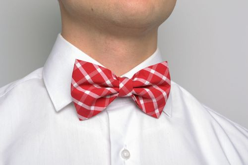 Red checkered bow tie - MADEheart.com