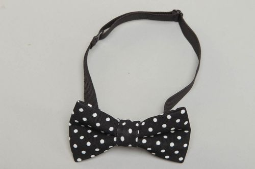 Black polka dot cotton bow tie - MADEheart.com