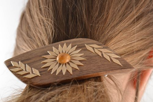 Handmade varnished wooden hair jewelry clip beautiful design - MADEheart.com