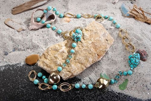 Beads made of turquoise - MADEheart.com