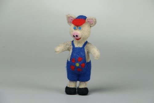 Wool toy Piglet - MADEheart.com