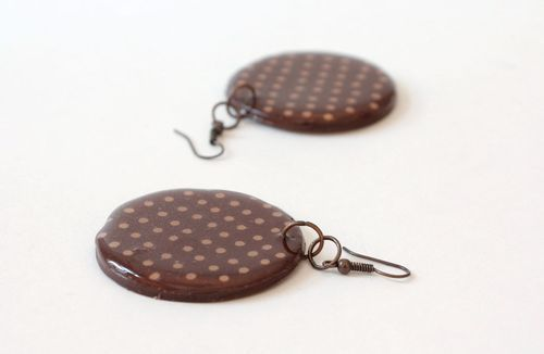 Round earrings made ​​of polymer clay - MADEheart.com